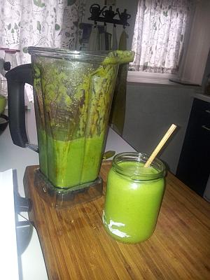 blog.basic green smoothie 2